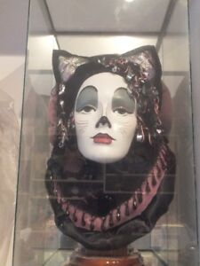 """CAT HEAD FIGURINE FROM THE BROADWAY SHOW """"CATS"""""""