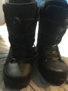 Boys Snowboarding Boots (Size 9.0 US)