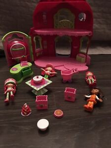 Talking Strawberry shortcake play set