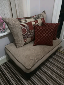 **BEAITIFUL** COMFY LARGE SOFA POUFFE CHAISE