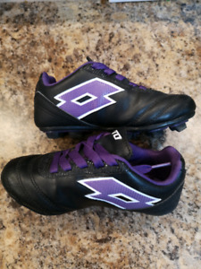 Soccer Cleats Size 10T great condition