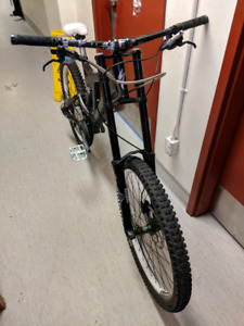 Specialzed BigHit3 Full Suspension competition downhill bike