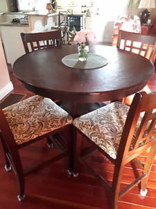 Dining Room Table & 8 Fabric Chair