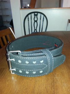 Grizzly weightlifting powerlifting belt