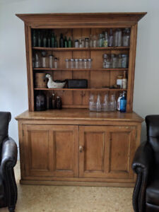 ANTIQUE HUTCH/FLAT TO WALL CABINET