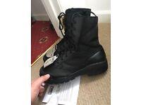 Magnum steel toecap boots
