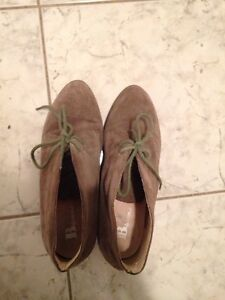 Size 9 1/2 Suede ankle boots