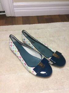 WHIte and blue flats