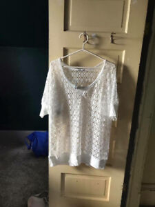 MAURICE'S PLUS SIZE 2 WHITE MESH TOP