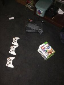 Xbox 360 with 11 games, and three controllers 130$ Windsor Region Ontario image 4