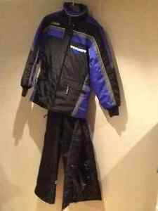 WOMEN'S 2 PIECE SNOWSUIT SIZE SMALL