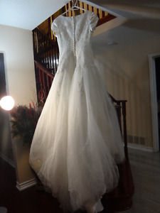 WEDDING GOWN FOR SALE!!!