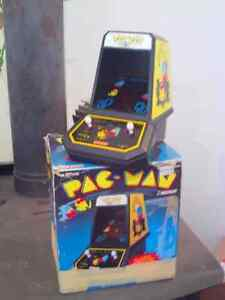 vintage coleco table top pac man with box