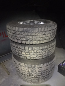 245,75, R16 Yokohama Geolander 10ply winter tires Kia rims