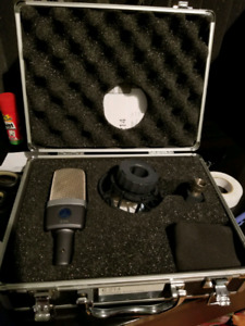 Akg c-214 kit complet comme neuf