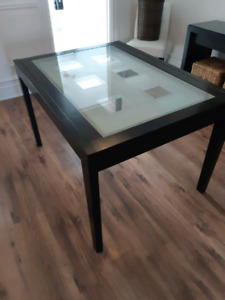 Table en verre/bois/4 ou 10 places