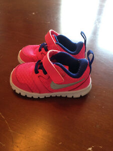 Nike Toddler Sneakers- Size 5