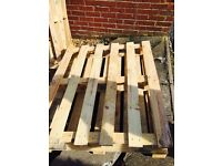 Medium Weight Wood Pallets