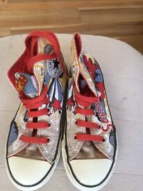 Superman converse size 11 childs