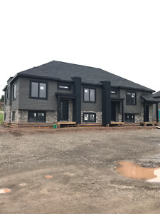*** BRAND NEW TOWNHOUSES FOR RENT *** AVAILABLE AUGUST 1