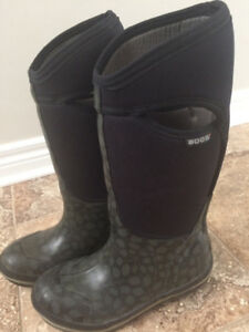 BOGS Womens Boots Size 6