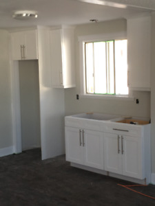 Your Luxurious Upper Level in Highly Desirable College Heights