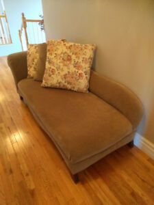 Chaise Lounge (light Olive Green)