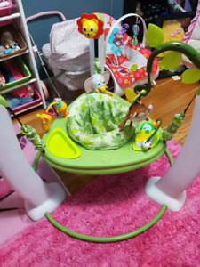 ExerSaucer Jump and Learn Active Learning Center Safari Friends