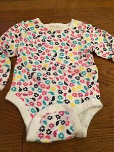 Girls 12-18 month long sleeved onesies - Old Navy, Joe London Ontario image 1