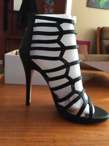 Sexy Caged High Heel Shoe - NEW