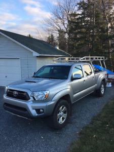 2014 Toyota Tacoma Pickup Truck