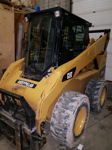 2011 Cat 252B with 428 hours.