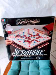 1989 Deluxe Edition Scabble Game by Milton Bradley