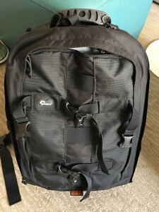 LOWEPRO LARGE CAMERA BACKPACK FOR DSLR & LENSES MINT CONDITION