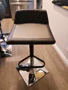Buy Or Sell Dining Table Sets In Edmonton Furniture Kijiji Classifieds Page 9