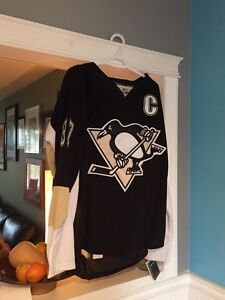 Pittsburgh Penguins lot - cards, jersey, collectibles
