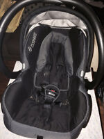 Quinny Zapp stroller and Maxi Cosi Mico infant seat