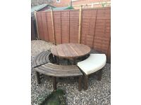 Garden set table and seats chairs