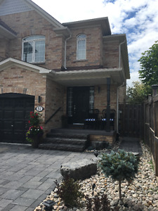 Oak Ridges, Richmond Hill, Lake Wilcox, 3 plus 2 bdrm Semi