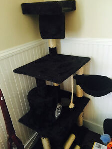 Cat tree in good condition
