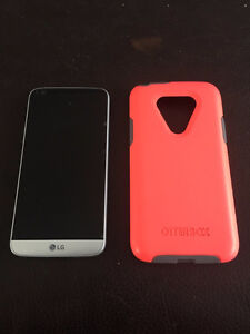 Silver LG G5 32gb Phone and Accessories