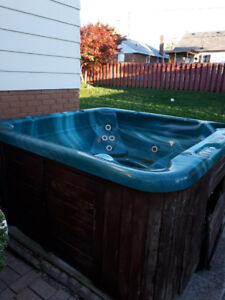FREE HOT TUB - YOU PICK UP!