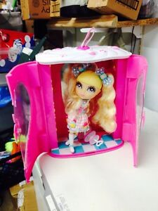 Cutie Pops Decoration Station Wardrobe and Doll Case