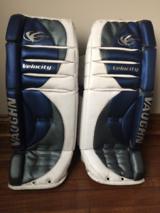 VAUGHN 7070 VELOCITY V2 GOALIE LEG PADS JUNIOR 31""