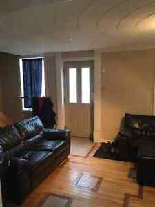 ONE ROOM IN A 5 BED STUDENT HOME 2 MINUTES FROM ST LAWRENCE Kingston Kingston Area image 2