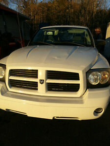 2007 Dodge Dakota Pickup Truck