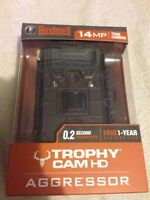 BUSHNELL AGGRESSOR TROPHY TRAIL CAM