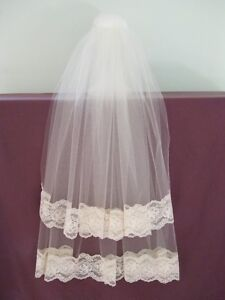 TWO TIERS LACE IVORY VEIL