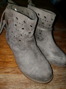 Gurls size 12 fashion boot brand new