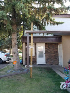 3 Bedroom Townhome St. Albert DOG FRIENDLY! October Free!!